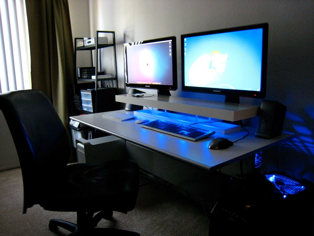 Dual Screens Blue LEDs And A DIY Desk Shelf