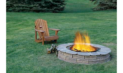 on diy site instructables details how to build a backyard fire pit