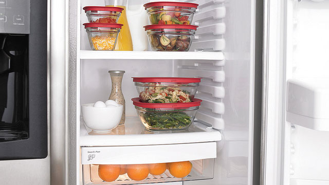 How to store food properly in the freezer and fridge Can you put hot food in the refrigerator