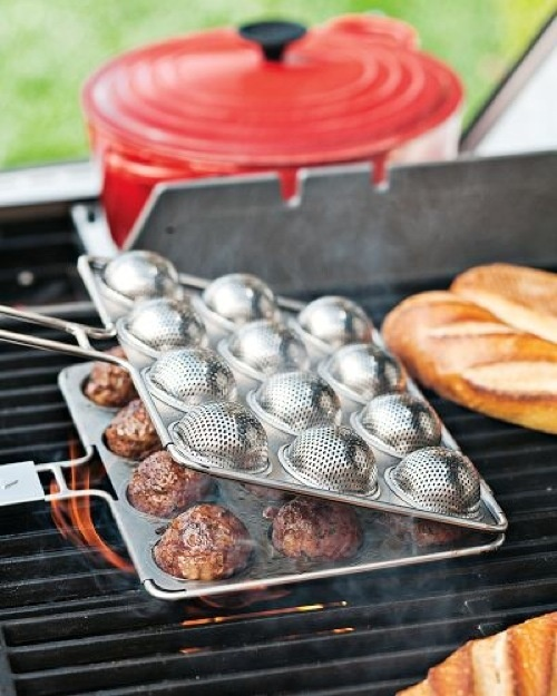 The Meatball Grill Basket Changes Everything | Gizmodo Australia