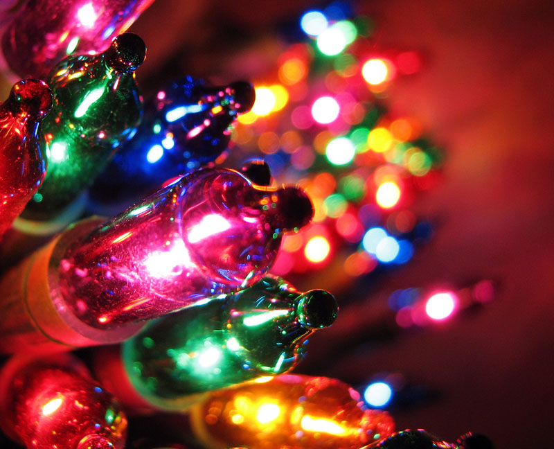 The Brief And Strangely Interesting History Of Christmas Lights ...
