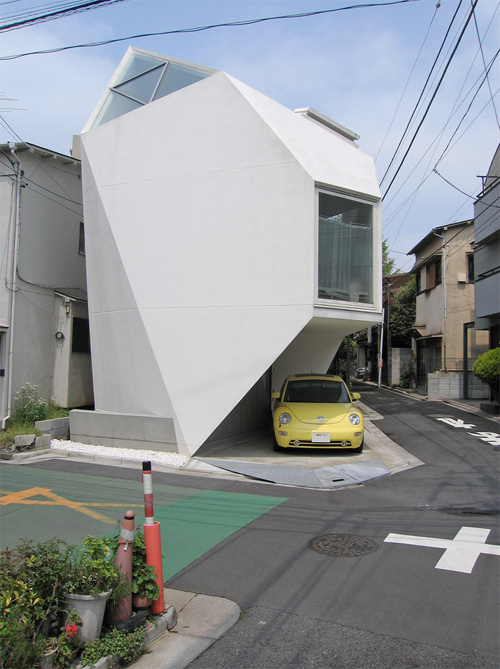 Polyhedron tokyo house measures 44sqm and looks like a tooth gizmodo australia