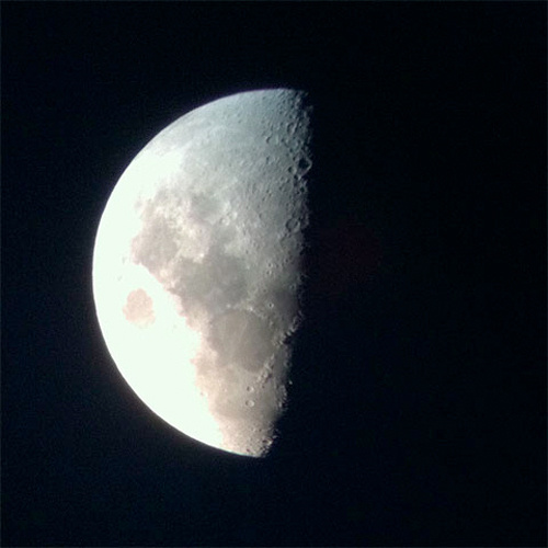 Shooting the Moon With an iPhone 4 and a Telescope