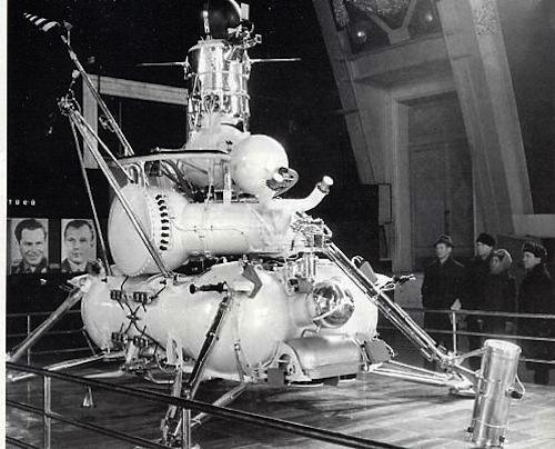 40 Years Ago, Robots Started Doing Our Dirty Work For Us In Space