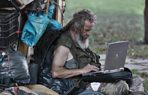 http://www.gizmodo.com.au/2010/10/he-may-be-homeless-but-at-least-he-has-facebook/