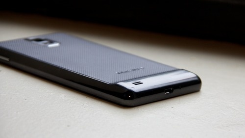 Samsung Infuse Review: Oh Finally, a Phone for Giants