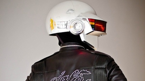 This DIY Daft Punk Helmet Will Win Best Costume at any Halloween Party. Guaranteed.