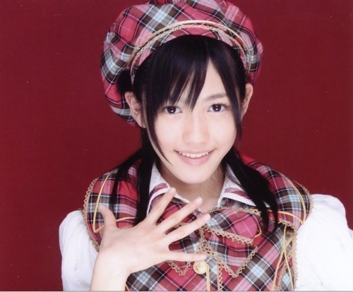 AKB48 Mayu Watanabe http://www.kotaku.com.au/2010/06/this-is-much-better/