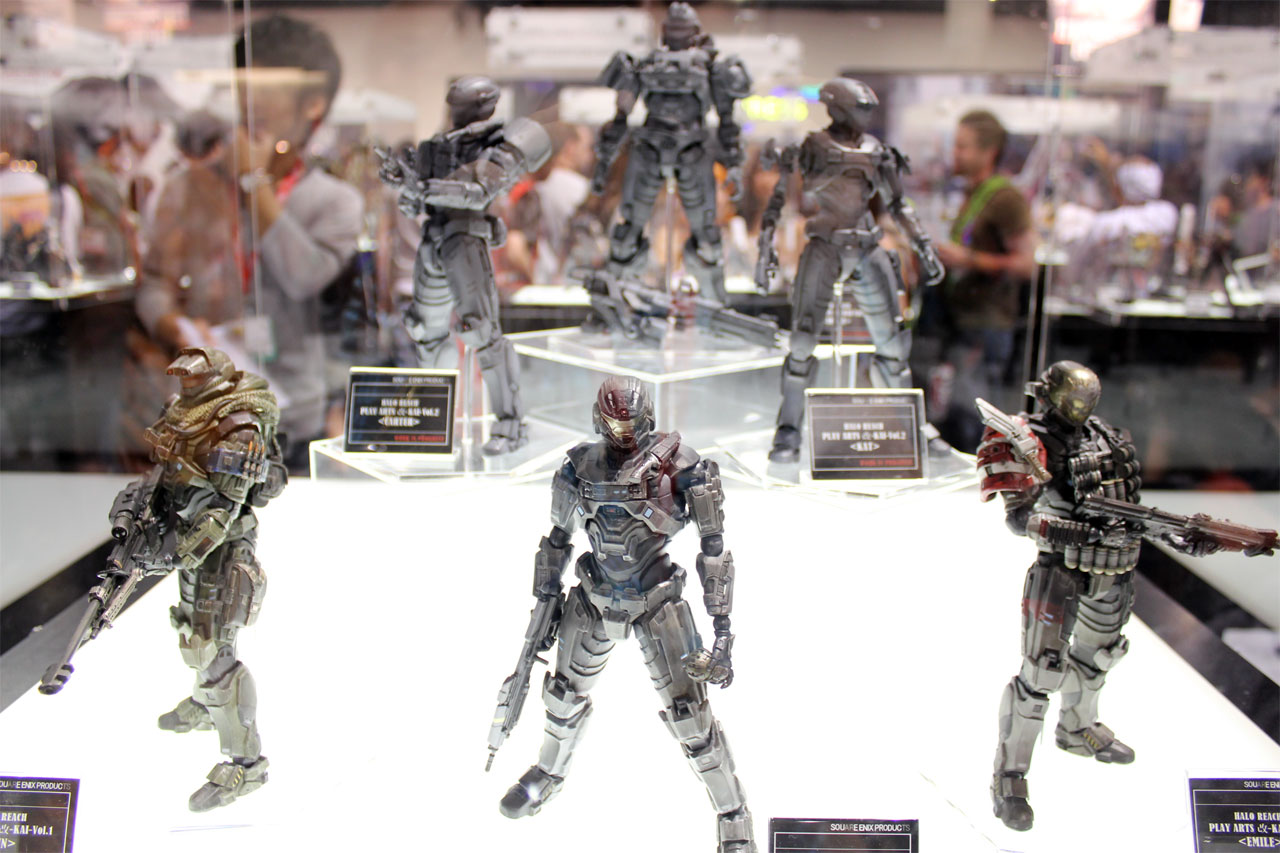 Toys At Play : Let s get a good look at square enix halo reach action