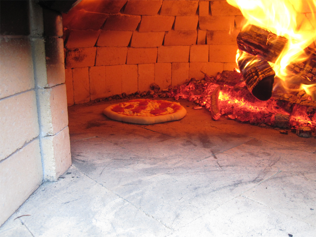 how to build a wood fired pizza oven in your backyard gizmodo