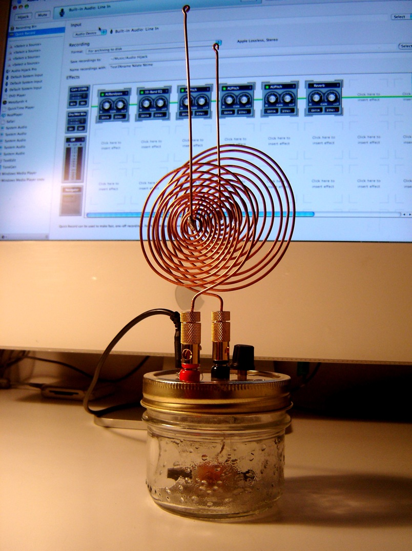 Build The Spirit Radio That Creeped Out Tesla Himself Gizmodo Circuit Electronic Design Teslas Uses A Simple Crystal Connected To Computer Sound In Jack Generate Spooky Sounds From All Kinds Of Electromagnetic