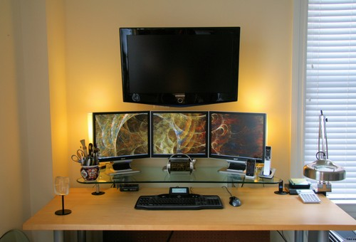 wall mounted HDTV, ample desk space and soothing lighting to boot